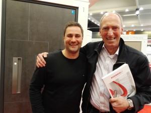 Rodenberg übergibt auf der FRONTALE 2016 ersten Haustürkatalog an Idencom